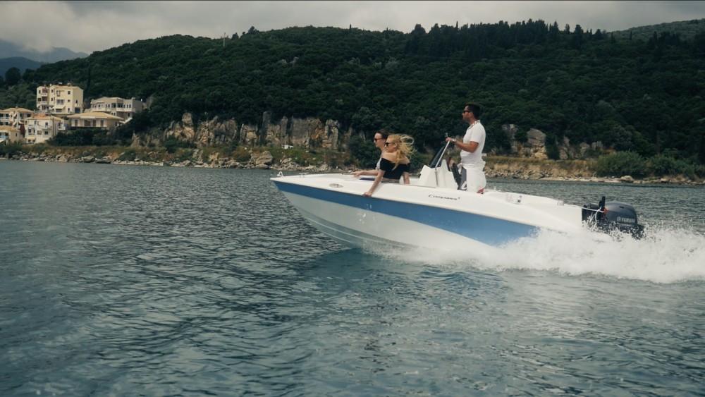 Louer Bateau à moteur avec ou sans skipper compass à Péloponnèse, Grèce occidentale et Îles Ioniennes