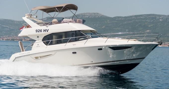 Location bateau Jeanneau Prestige 400 Fly à Split sur Samboat