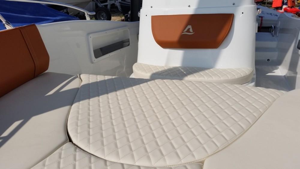 Louer Bateau à moteur avec ou sans skipper Allegra Boats à Moniga del Garda