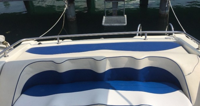 Location bateau Ranieri Millennum à Moniga del Garda sur Samboat