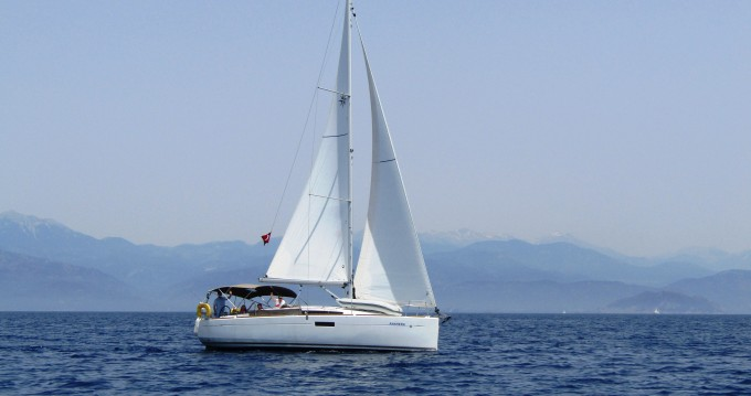 Jeanneau Sun Odyssey 349 entre particuliers et professionnel à Fethiye