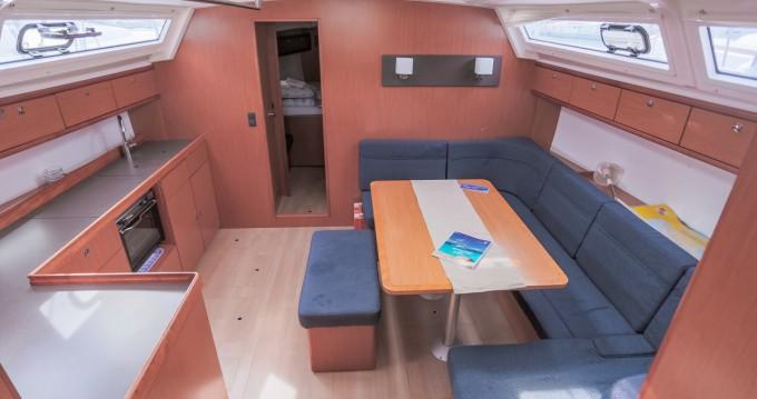 Louez un Bavaria Cruiser 46 à Komolac