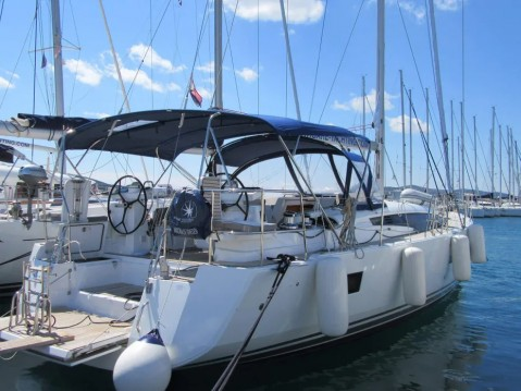 Location bateau Komolac pas cher Jeanneau 54 - 4 + 1 cab.