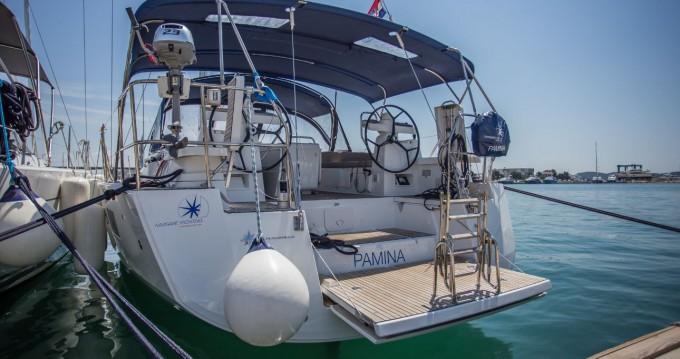 Location bateau Donji Seget pas cher Jeanneau 54 - 4 + 1 cab.