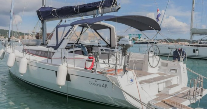 Location bateau Bénéteau Oceanis 48 - 4 cab. à Donji Seget sur Samboat