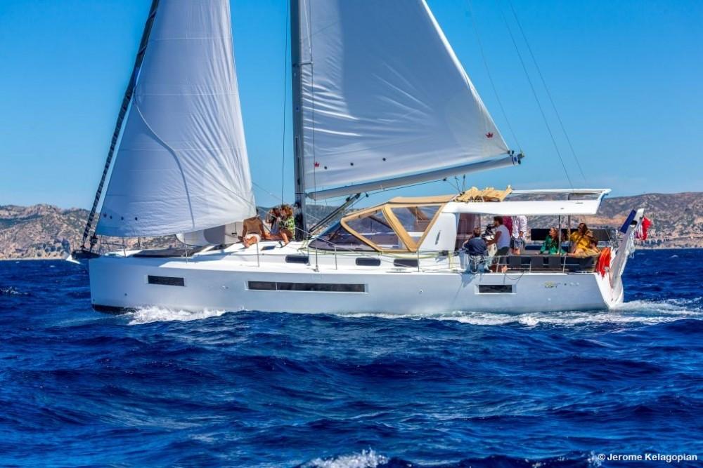 Location bateau Saint-Mandrier-sur-Mer pas cher Sun Loft 47