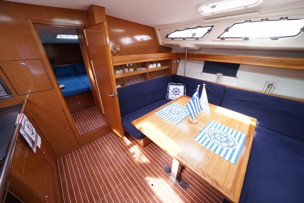 Location bateau Bavaria Bavaria 43 Cruiser à Marina de Alimos sur Samboat