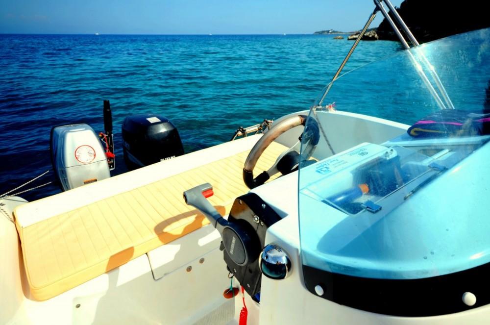 Location bateau Gaios pas cher Ericusa 550
