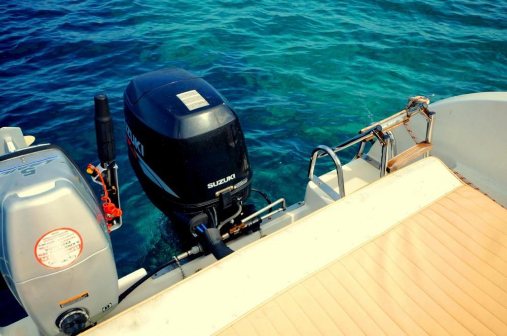 Location Bateau à moteur Aquamar avec permis