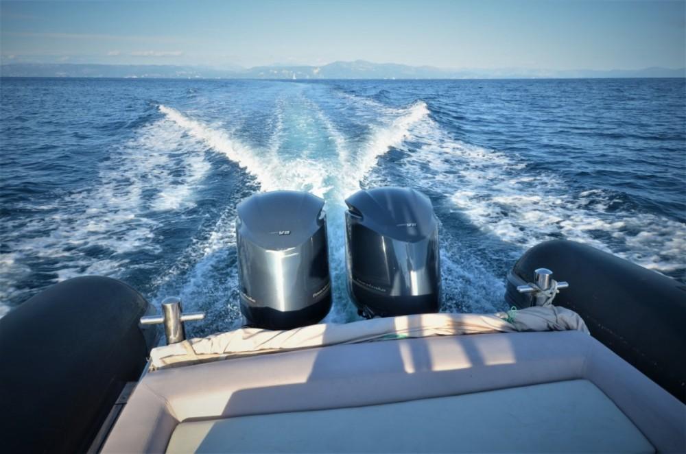 Louer Semi-rigide avec ou sans skipper Sea Water à Gaios