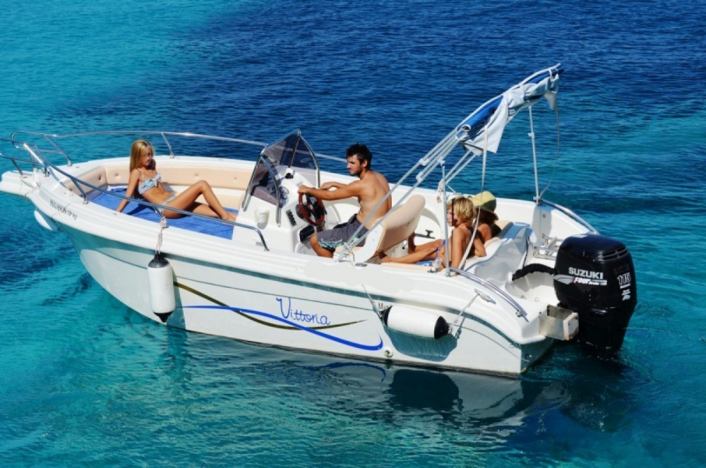 Location bateau Vittoria Matu  19 à Gaios sur Samboat