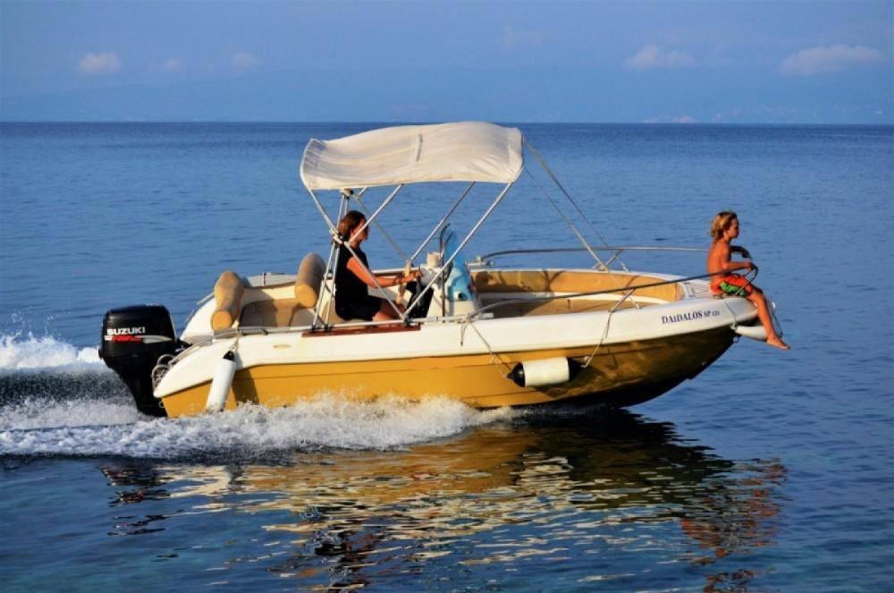 Louer Bateau à moteur avec ou sans skipper Marinelo  à Gaios