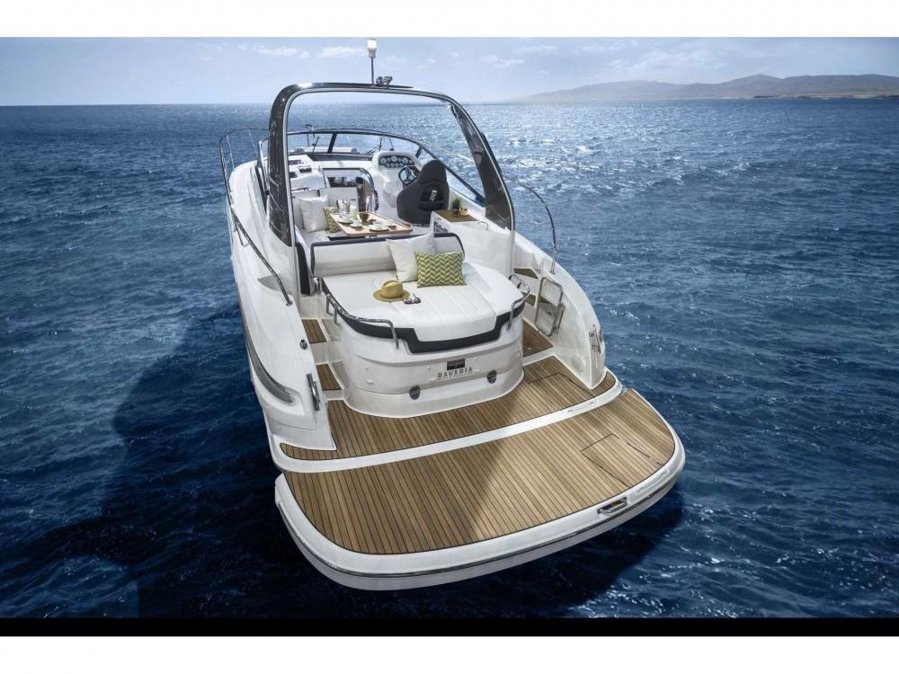 Location bateau Trogir pas cher Bavaria S32 Open