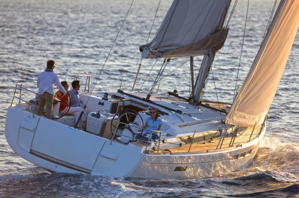 Louez un Jeanneau Sun Odyssey 519 à Saint-Mandrier-sur-Mer