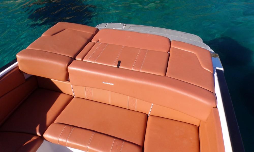 Louer Bateau à moteur avec ou sans skipper Glastron à Ibiza