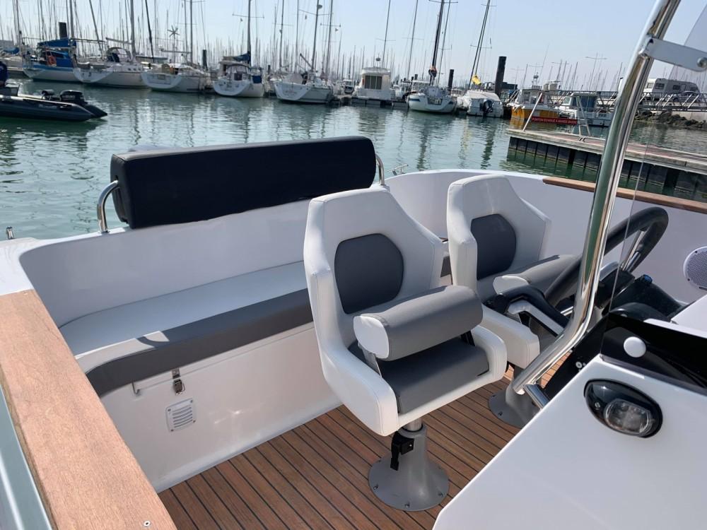 Louer Bateau à moteur avec ou sans skipper Lobster boat à La Rochelle