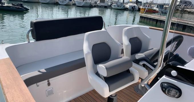 Location Bateau à moteur à La Rochelle - Lobster boat Open 605