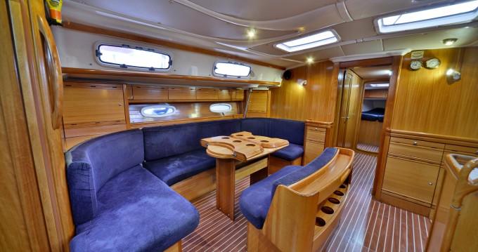 Louez un Bavaria Bavaria 50 Cruiser à Athènes