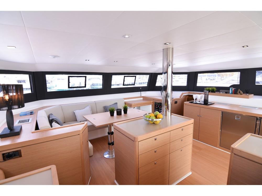 Dufour Dufour 48 Catamaran entre particuliers et professionnel à Myconos