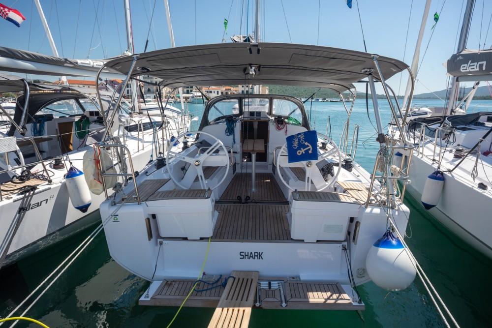 Location bateau Elan Elan E4 à Pirovac sur Samboat