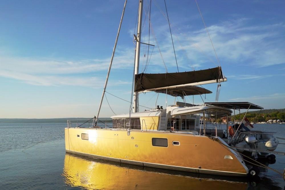 Location bateau Lagoon Lagoon 450 - 4 + 2 cab. à Pirovac sur Samboat