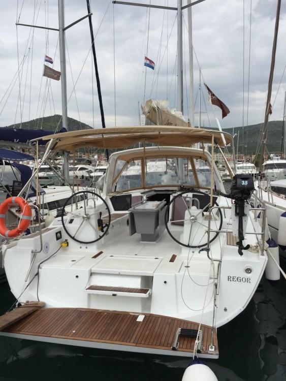Bénéteau Oceanis 41.1 entre particuliers et professionnel à Dubrovnik