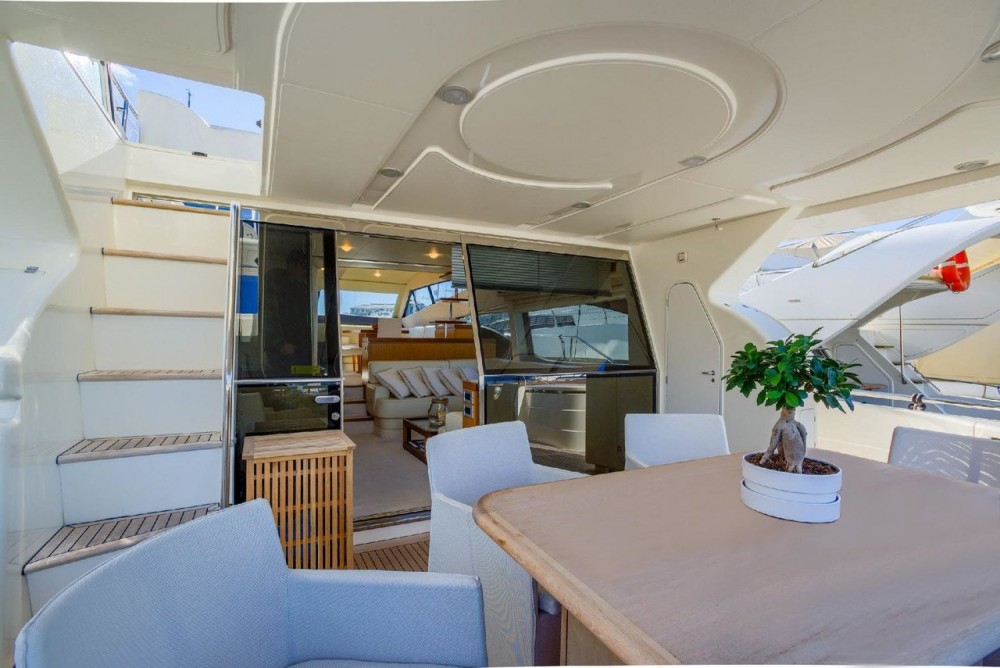 Location Bateau à moteur à Grad Rijeka - Ferretti-Yachts-Group Ferretti Yachts 681