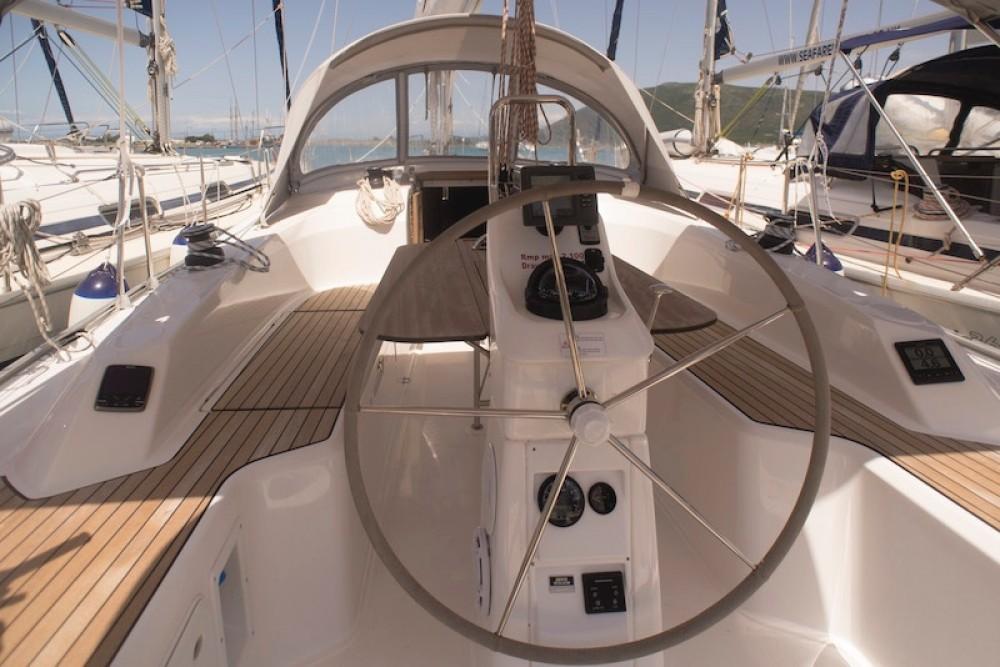 Bavaria Bavaria 33 Cruiser entre particuliers et professionnel à Péloponnèse, Grèce occidentale et Îles Ioniennes