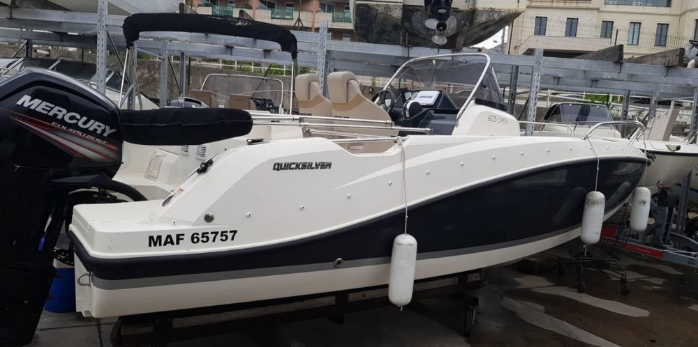 Location bateau Brunswick-Marine QUICKSILVER 605 OPEN à Marseille sur Samboat
