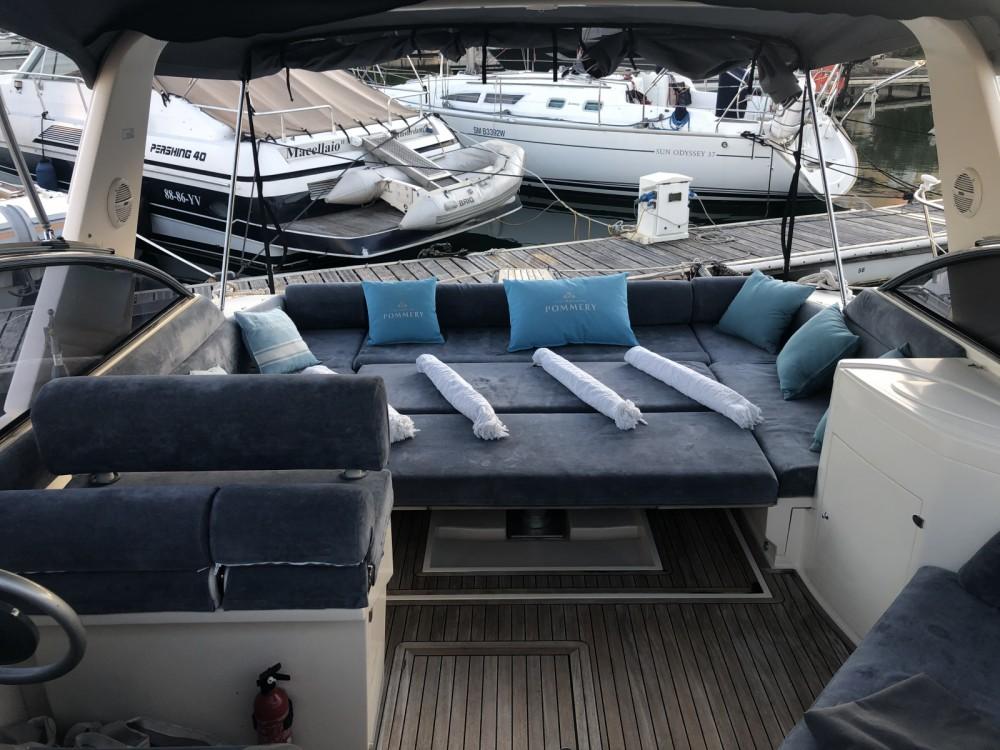 Location bateau Saint-Tropez pas cher Fiart 38 Genius