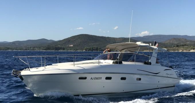 Louer Bateau à moteur avec ou sans skipper Fiart à Saint-Tropez