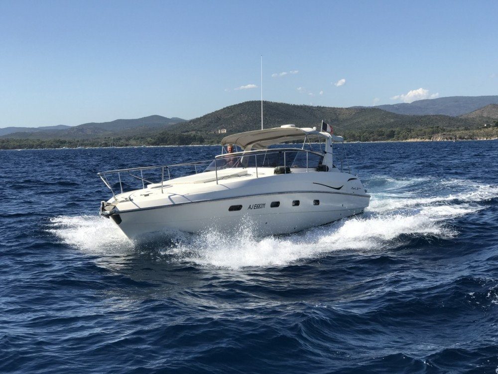 Location bateau Fiart Fiart 38 Genius à Saint-Tropez sur Samboat