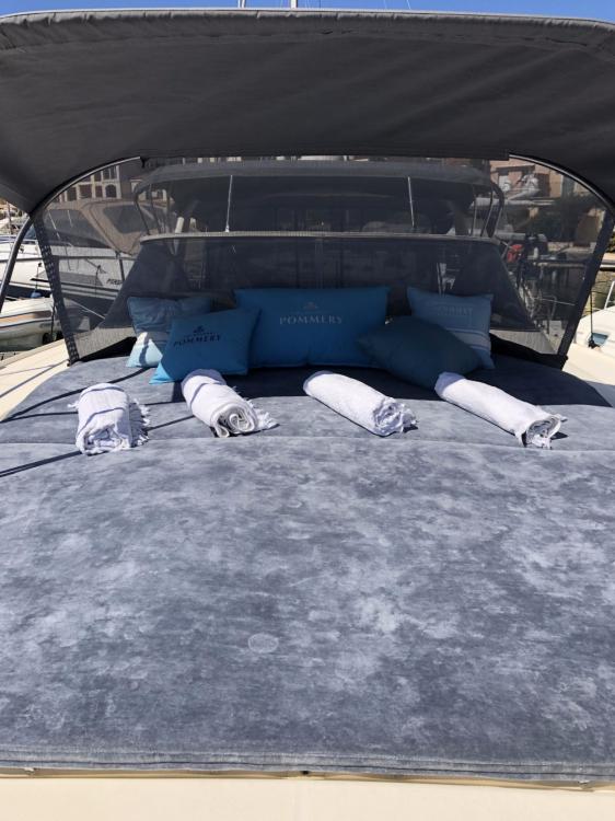 Location Yacht Fiart avec permis