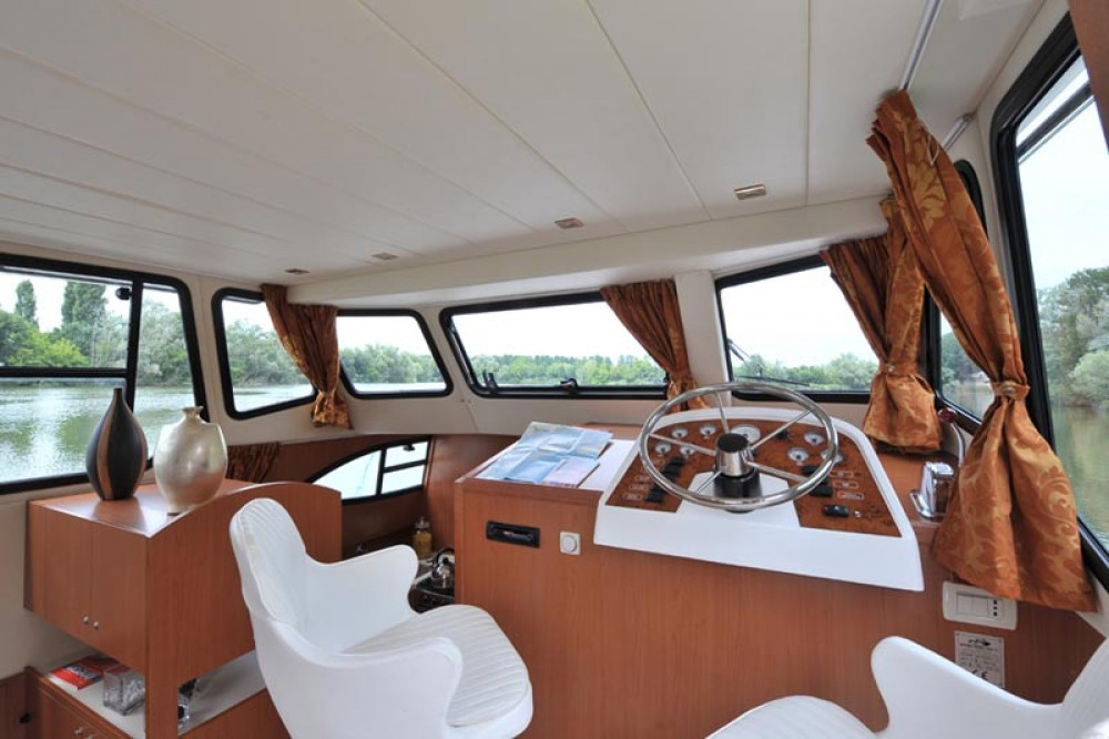 Location Péniche à Casale sul Sile - Houseboat Holidays Italia srl Minuetto6+