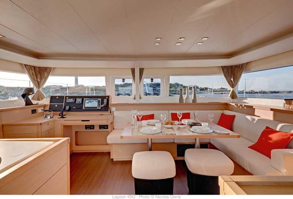 Location bateau Road Town pas cher Lagoon 450