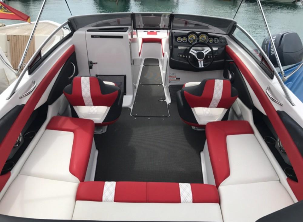 Location bateau Glastron GTS 245 à Ibiza sur Samboat