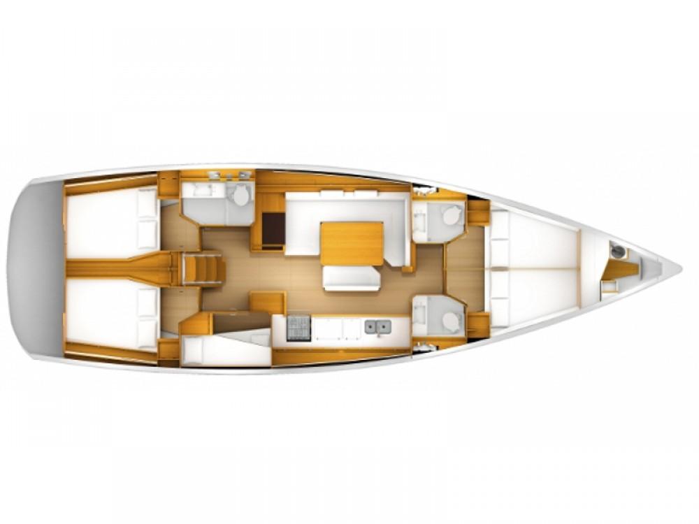 Louer Voilier avec ou sans skipper Jeanneau à Marina de Alimos