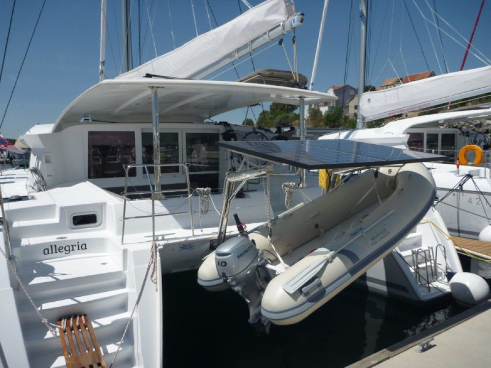 Catamaran à louer à Sibenik au meilleur prix