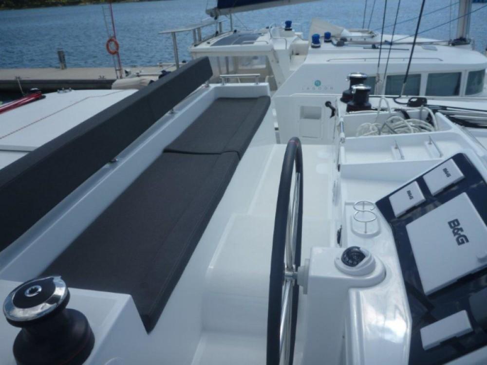 Louer Catamaran avec ou sans skipper Lagoon à Šibenik