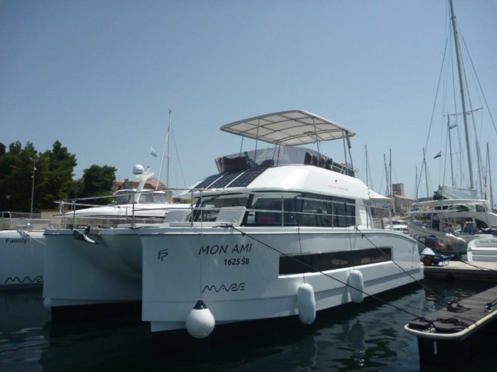 Location bateau Fountaine Pajot MY 37- 3 cab. à Sebenico sur Samboat