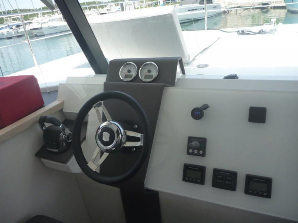 Catamaran à louer à Sebenico au meilleur prix