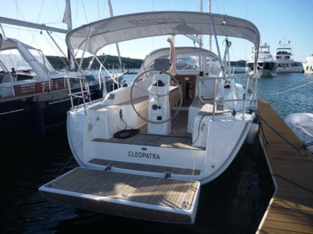 Location bateau Sebenico pas cher Bavaria 33 Cruiser