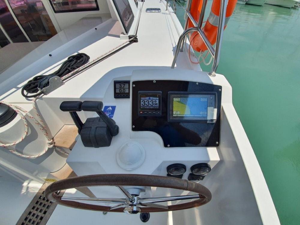 Location bateau Phuket pas cher Nautitech Open 40