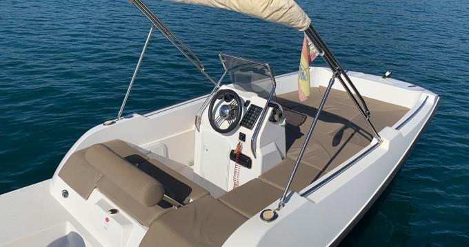 Location Bateau à moteur V2-Boat avec permis
