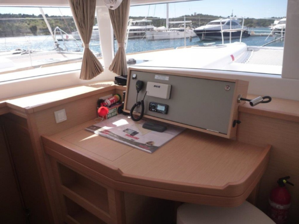 Location yacht à Šibenik - Lagoon Lagoon 450  Flybridge (4+2 cab.) sur SamBoat