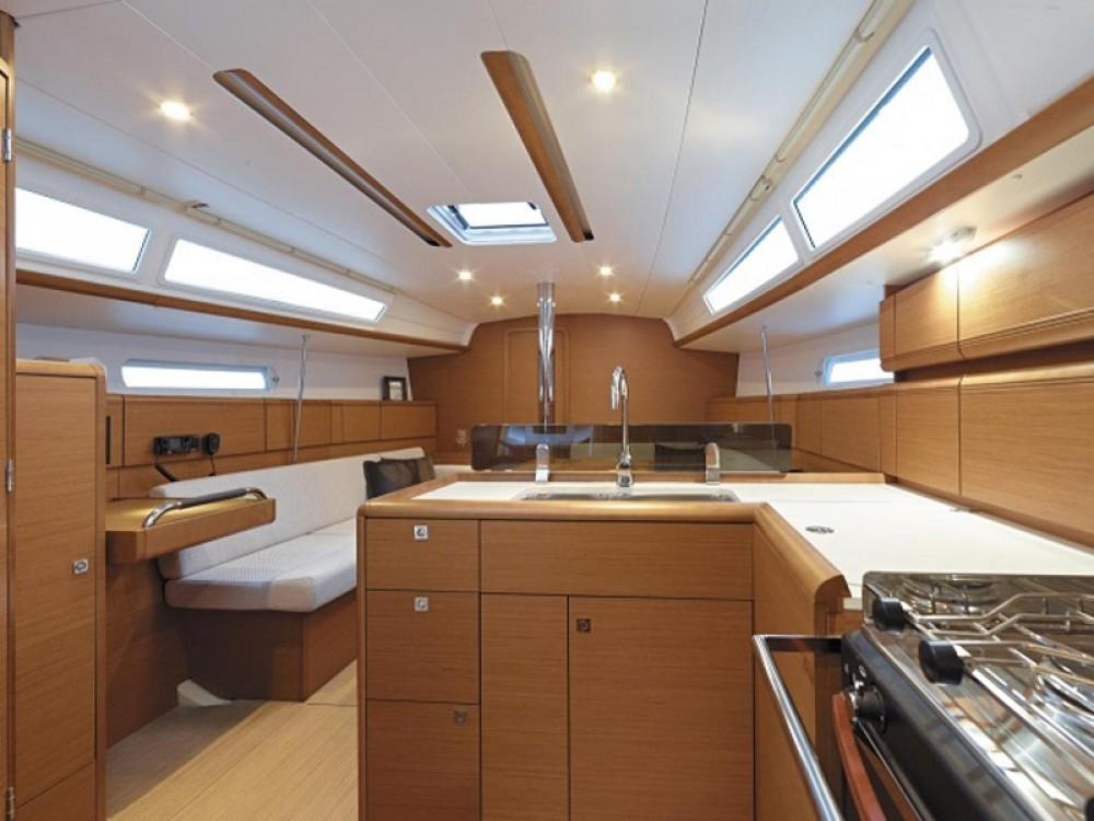 Location bateau Jeanneau Sunsail 38 à Leucade sur Samboat