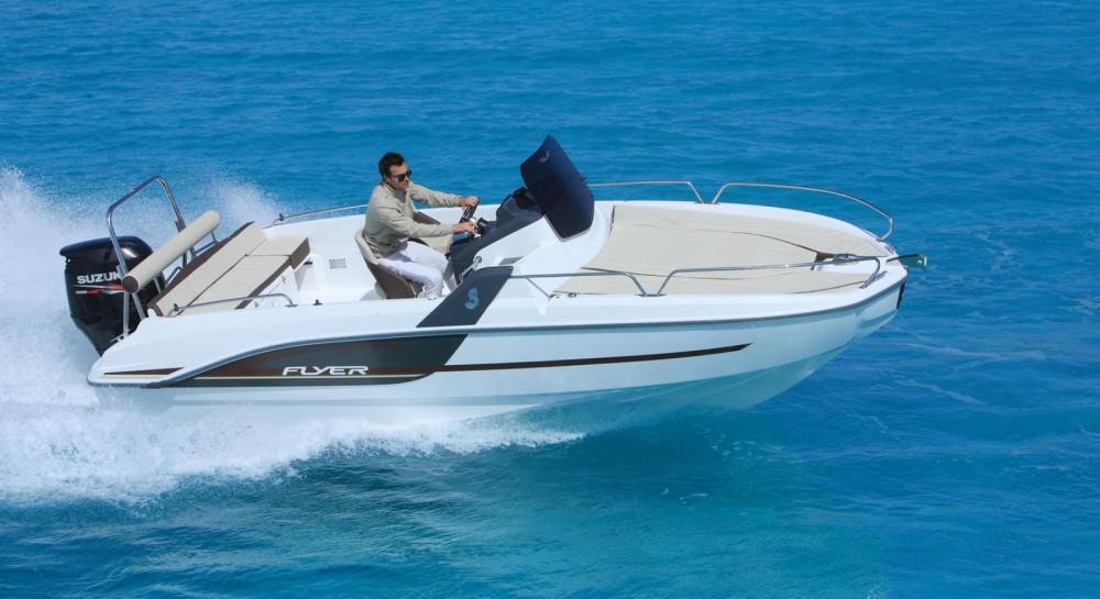 Location bateau Le Verdon-sur-Mer pas cher Flyer 6.6 SUNdeck