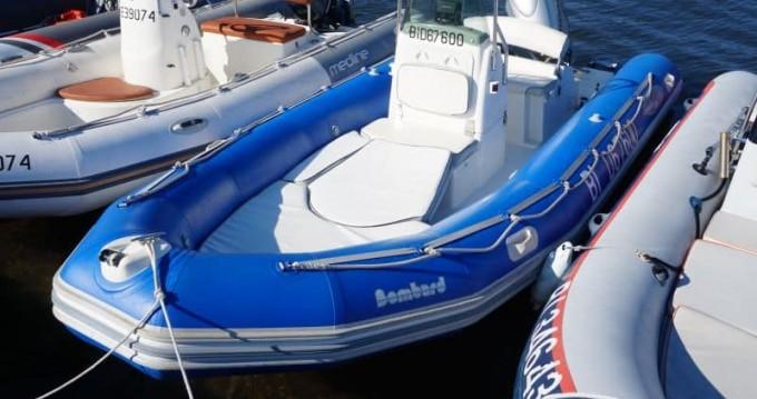 Location bateau Bombard Explorer 550 à Saint-Florent sur Samboat