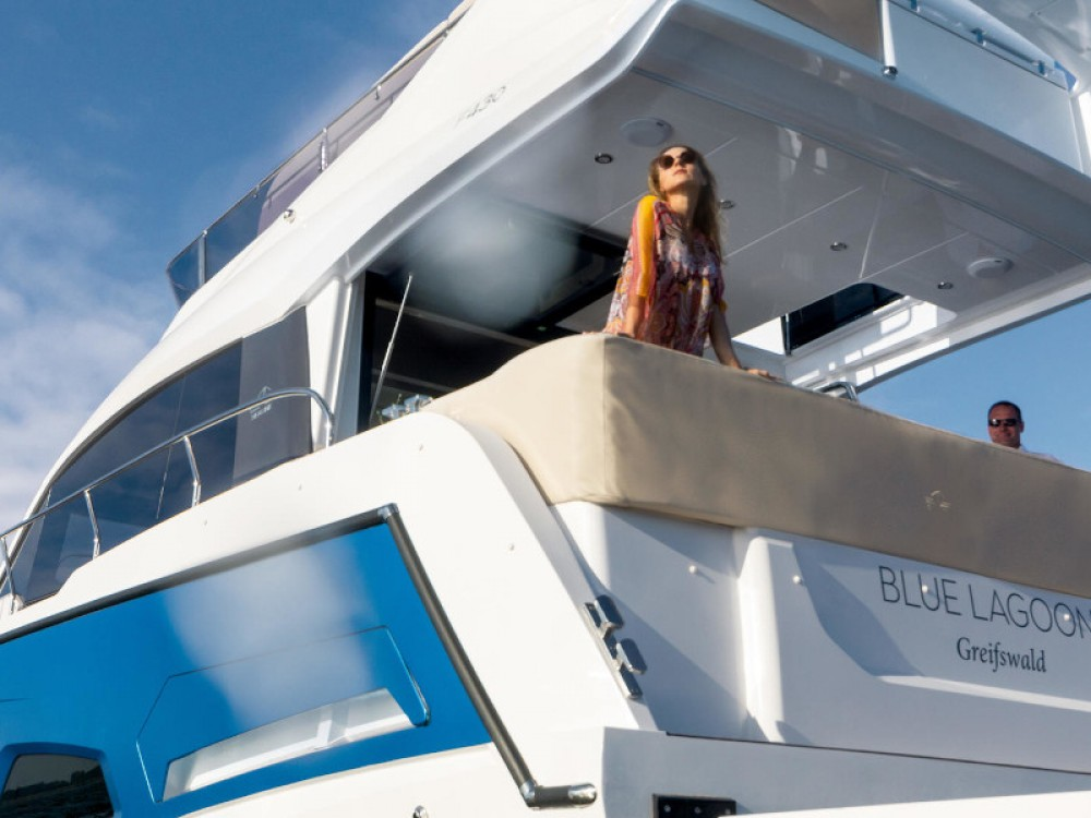 Location bateau Pula pas cher Sealine F 430