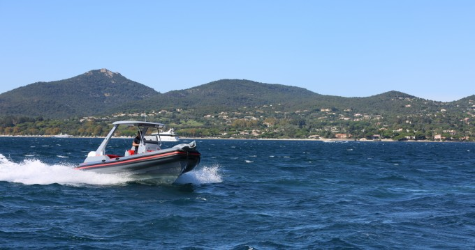 Location Semi-rigide à Port Grimaud - Wimbi Boats W7